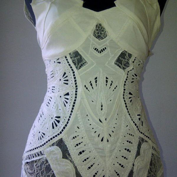 רקמה ממוחשבת שמלה לבנה