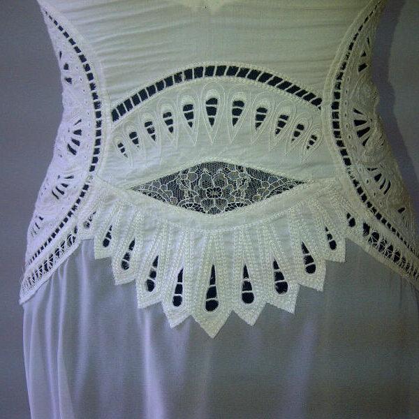 רקמה ממוחשבת שמלה
