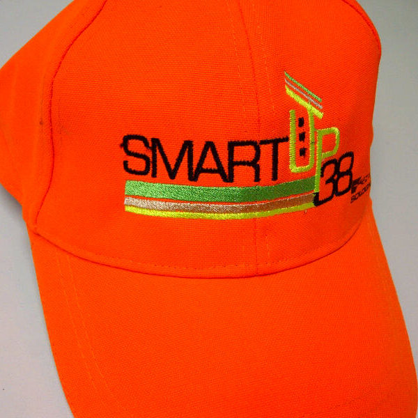 """קד""""מ ופרסום- רקמה על כובע סמארט אפ"""