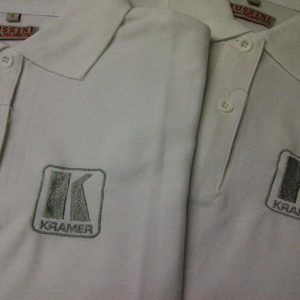 """קד""""מ ופרסום- רקמה על חולצות גבר לוגו"""